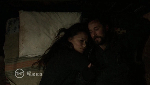 Falling Skies 4x10 Anne e Tom